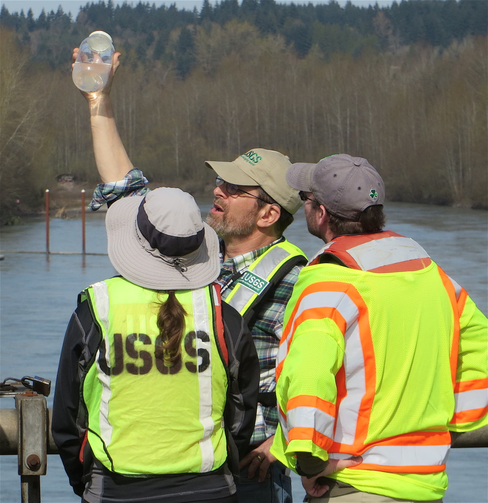 Field Training, Cowlitz River, Washington, USA
